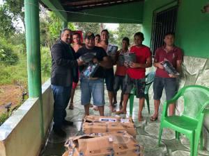 Elizeu de Tantan entrega equipamento de segurança para produtores rurais