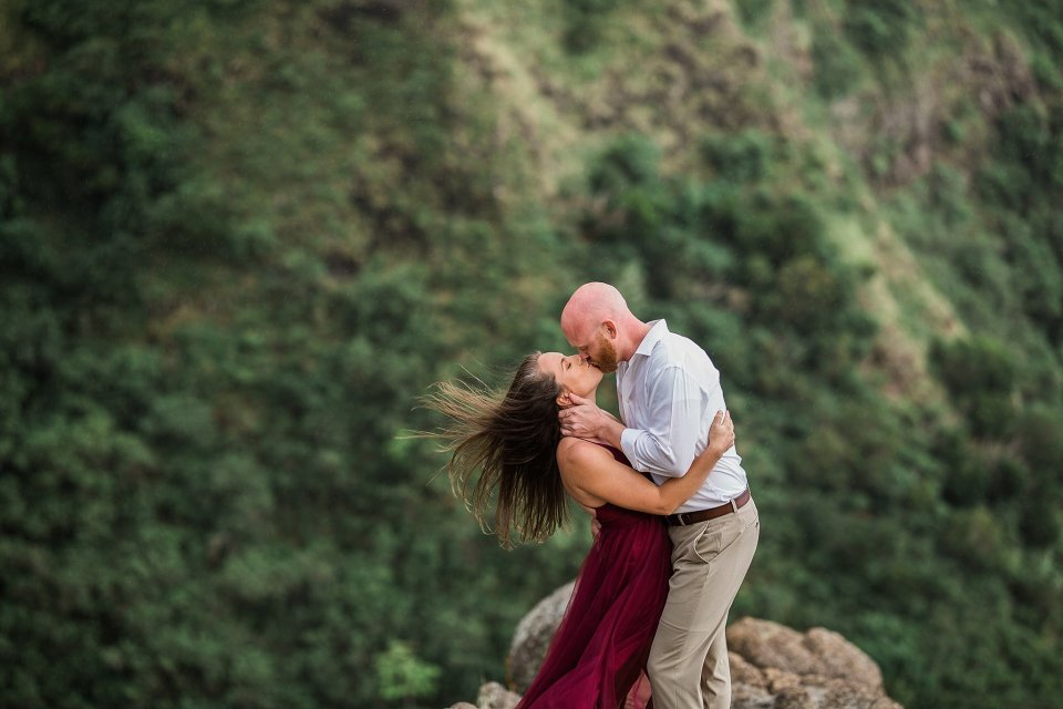 Oahu Mountaintop Engagement Session | Vanessa Hicks Photography