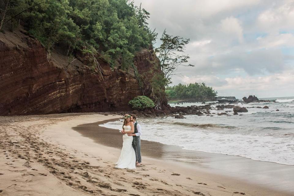 Road to Hana Wedding_ Vanessa Hicks Photography