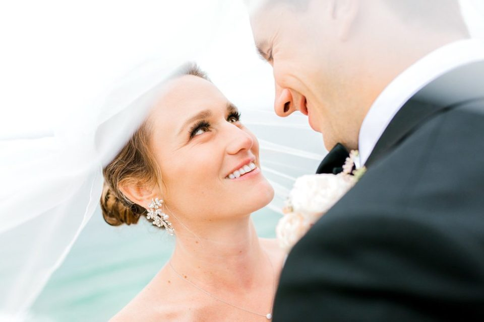 bride and groom portraits at Martin Johnson House