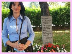 """Premio """"Cesare Pavese"""". Giardino della casa natale."""
