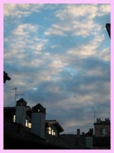 Alba sui tetti di Pavia, la mia città