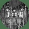 KathedraalMuseum nieuwe Bavo | Het museum omvat ook de kathedraal, waaronder de Mariakapel met het gesmede hek uit 1951 (Herkomst Noord-Hollands Archief, parochiearchief nieuwe Bavo).