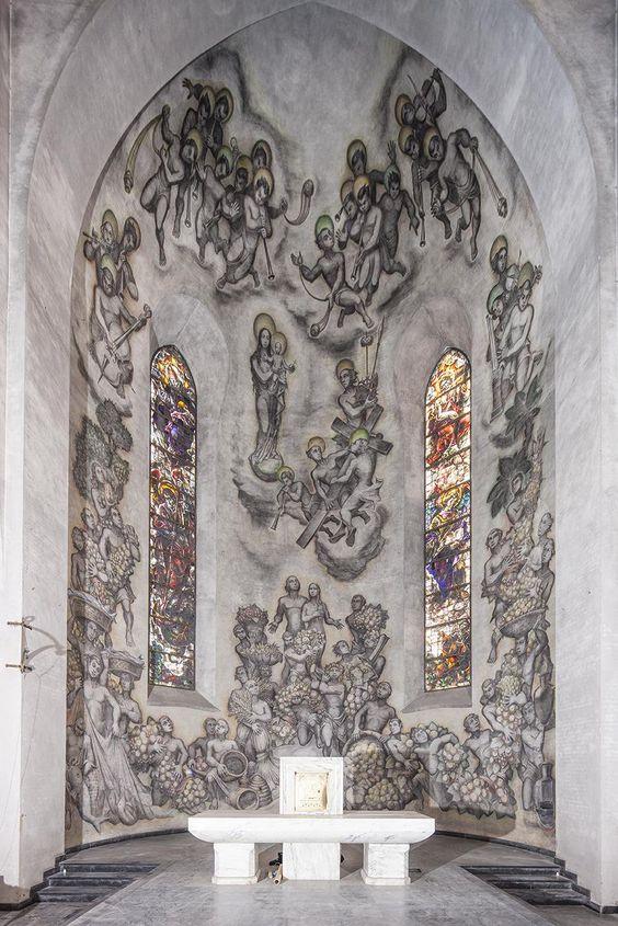 De apsisschildering van Jos ten Horn in de Goirkese kerk, gerestaureerd doorLeo Scholten. Herkomst Joost van Hest 2015.
