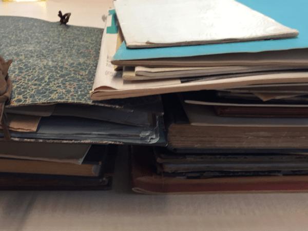 Joseph Cuypers Collectie bibliografie | De betreffende collectie op het gemeentearchief van Roermond bestaat niet alleen uit archiefstukken, maar ook uit ontwerpen, topografische tekeningen, foto's en boeken. Foto bvhh.nu 2018.