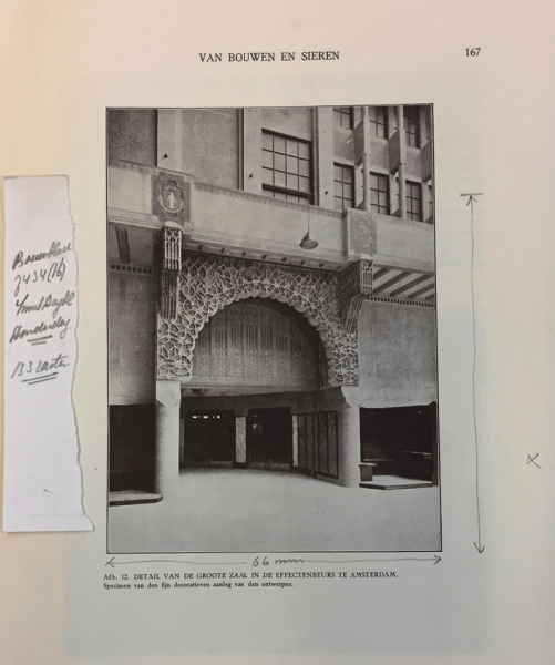 Pagina uit het artikel van Jan Stuyt over Joseph Cuypers bij zijn 75ste verjaardag in 'Van bouwen en sieren' uit 1931. Het strookje met aantekeningen links is van Pierre (II) Foto bvhh.nu 2018