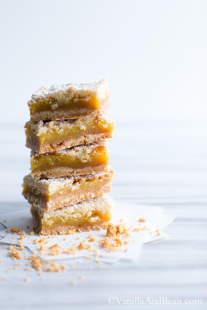 Orange Crumble Tart with Vanilla Bean | Buttery, creamy, citrusy, and crunchy. Perfect for your #valentine | VanillAndBean.com