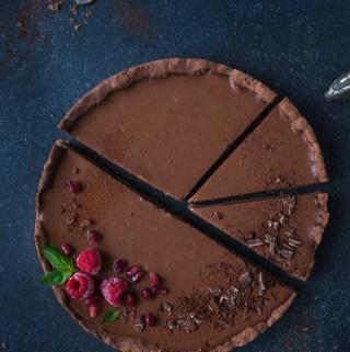 Dark Chocolate Shortbread Ganache Tart {vegan}