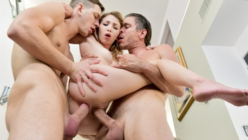 Beautiful Angel Smalls Gets Pleasured In Awesome Threesome