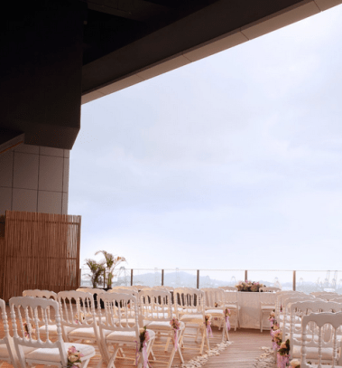 Dog-friendly Wedding Venue Fabrika Klapsons Rooftop | Vanillapup