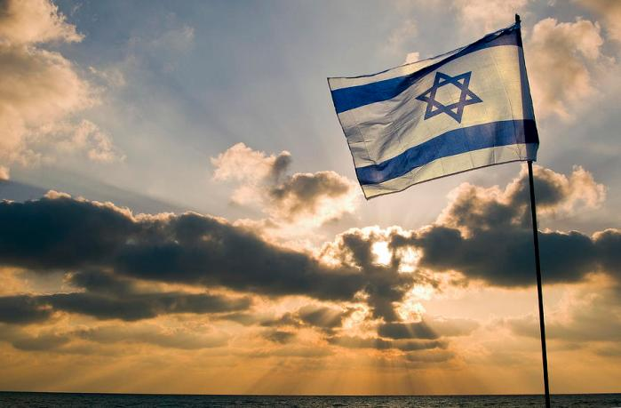 israeli-flag-and-sunset-daniel-blatt