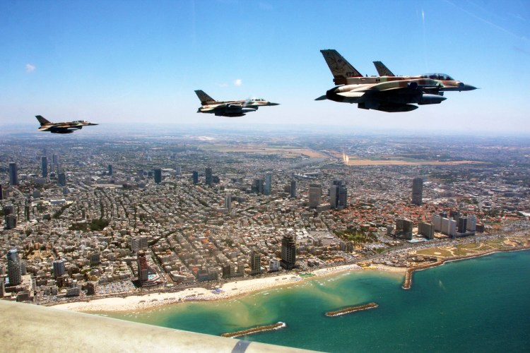 Flickr_-_Israel_Defense_Forces_-_IAF_Flight_for_Israel's_63rd_Independence_Day