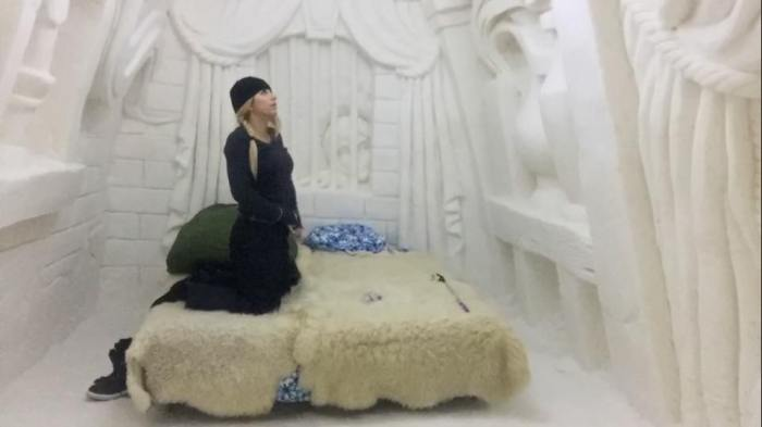 how to sleep in a ice hotel