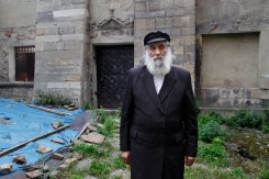 Meylakh Sheykhet in front of Golden Rose synagogue, Lviv, Ukraine