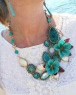 Collana floreale turchese