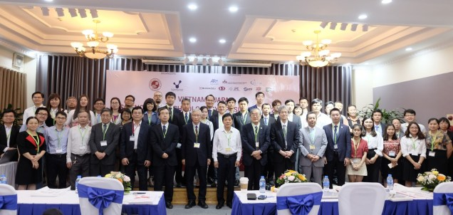 Organizing Committee and Guests in Plenary Session (Photo: Ta Duc Tung)