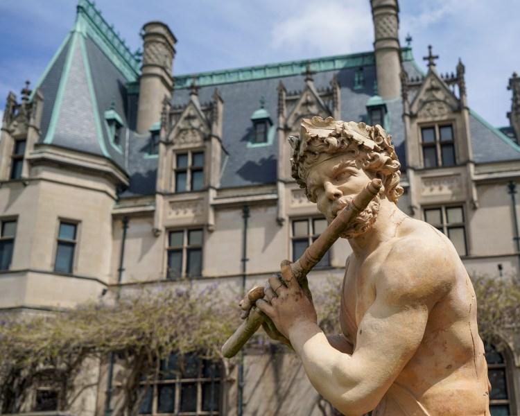 statue at biltmore estates