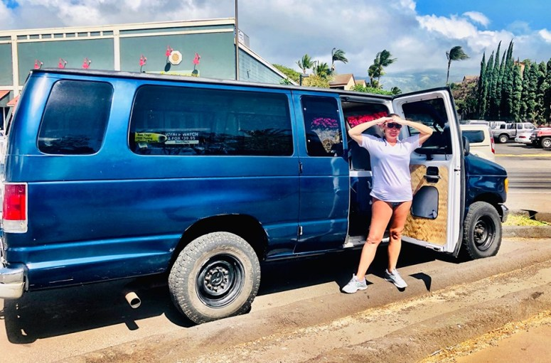 guests vanlife maui campervan rentals drop off pick up airport delivery OGG kahului female solo vanlife traveler