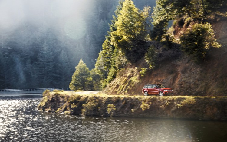 2014-Range-Rover-Sport-right-hand-drive-top-rear-view