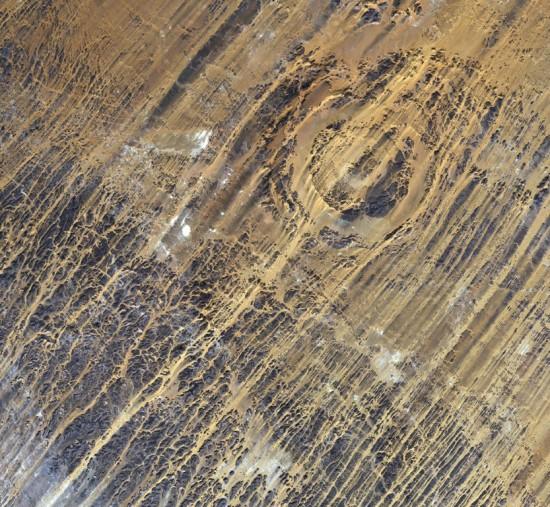 Aorounga_Crater_Chad-Medium-550x507