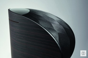 Formation Wedge Black Detail Rear