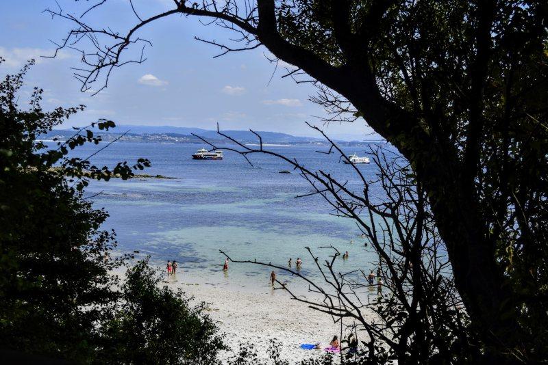 Playa de melide isla de ons