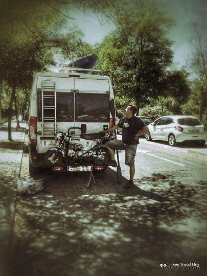 Monkey Honda dax réplica ST 70 en furgoneta