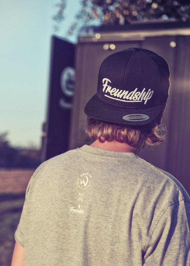 Freundship x Weitblick – Home is where you parkt it – T-Shirt