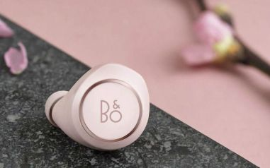 Beoplay-E8-Powder-Pink-2