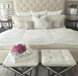 bed-pillow-arrangement-post-by-queen-bed-pillow-arrangement
