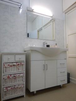 Green Bedroom bathroom