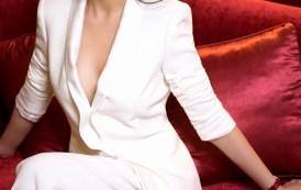Hot girl Thu Hương khiến phái mạnh điên đảo vì thả rông vòng một