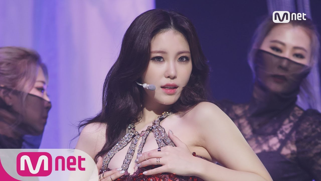jun-hyo-seong-khuay-dao-nguoi-ham-mo-vi-qua-sexy (16)