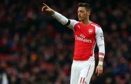 Mesut Ozil tích cực tìm bến đỗ mới