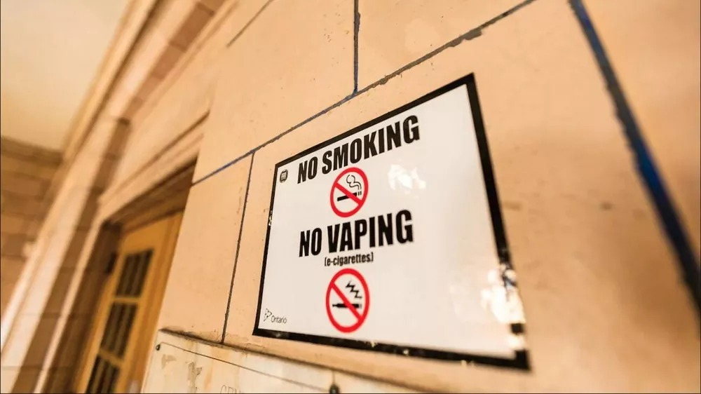 teenagers'access to electronic cigarettes