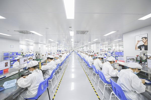Workers are assembling pods