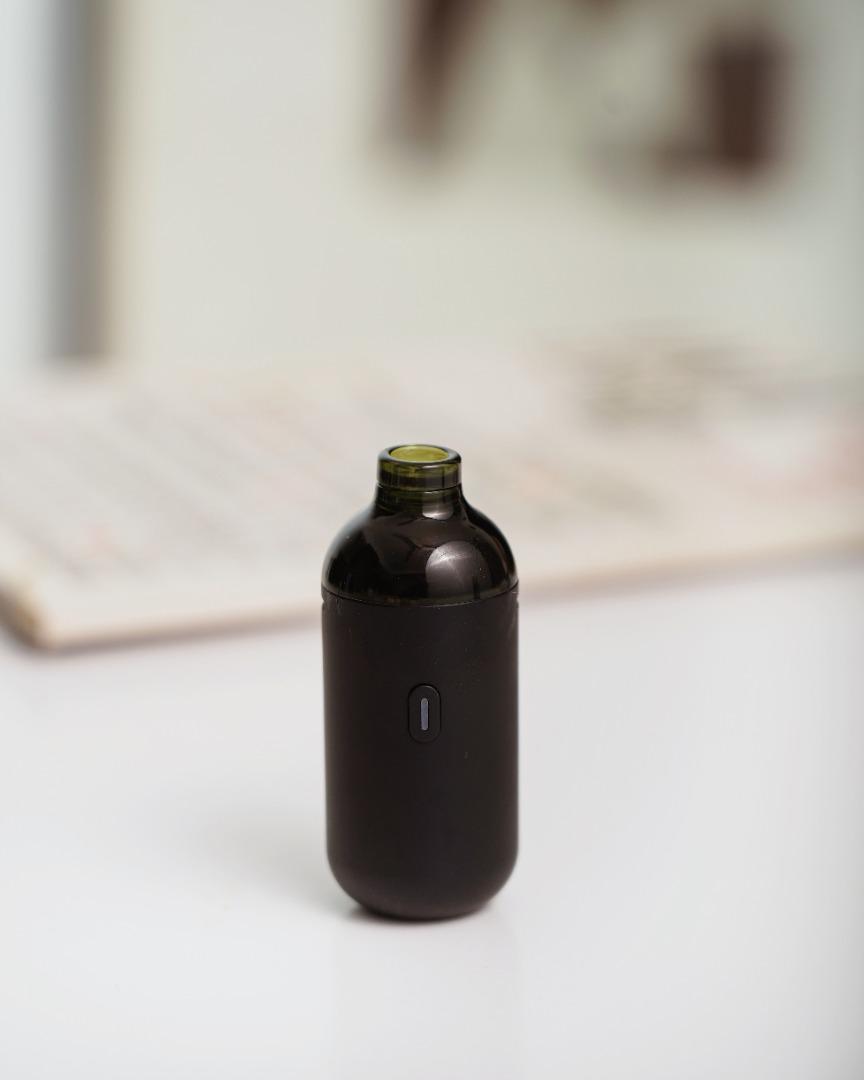 AIRSCREAM UK Wins Prestigious Red Dot Award : Product Design 2021 for bottle. by AirsPops