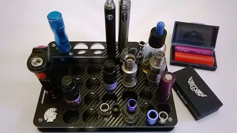 Vape Stand (for atomisers, bottles, batteries, etc – 32 spaces) and FREE battery case – £9.99