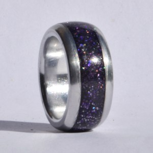Metal rings with inlay
