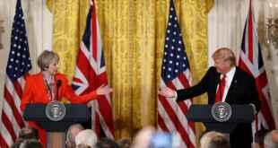 Theresa May og Donald Trump á blaðamannafundi í Washington 27. janúar 2017.