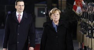 Mateusz Morawiecki, forsætisráðherra Póllamds. og Angela Merkel Þýskalandskanslari.