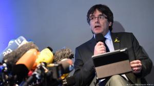 Carles Puigdemont á blaðamannafundi í Berlín laugardaginn 7. apríl.