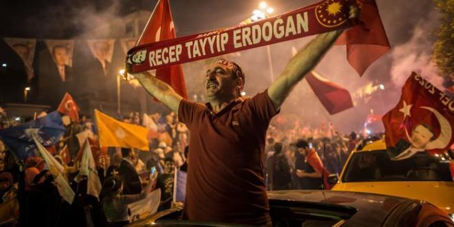Tyrkland: Erdogan lýsir yfir sigri í forseta- og þingkosningum
