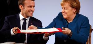 Við undirtitun Aachen-sáttmálans: Emmanuel Macron og Angela Merkel.