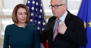 Nancy Pelosi og Jean-Claude Juncker.