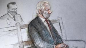 Julian Assange í réttarsalnum mánudaginn 4. janúar 2021.