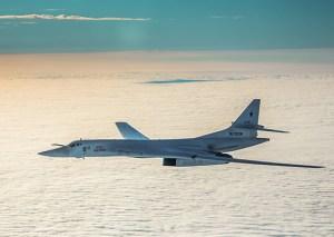 Hljóðfrá rússnesk Tu-160 sprengjuþota á flugi utan norskrar lofthelgi.