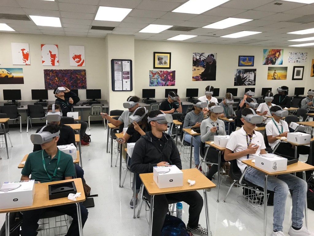 VR students with goggles on