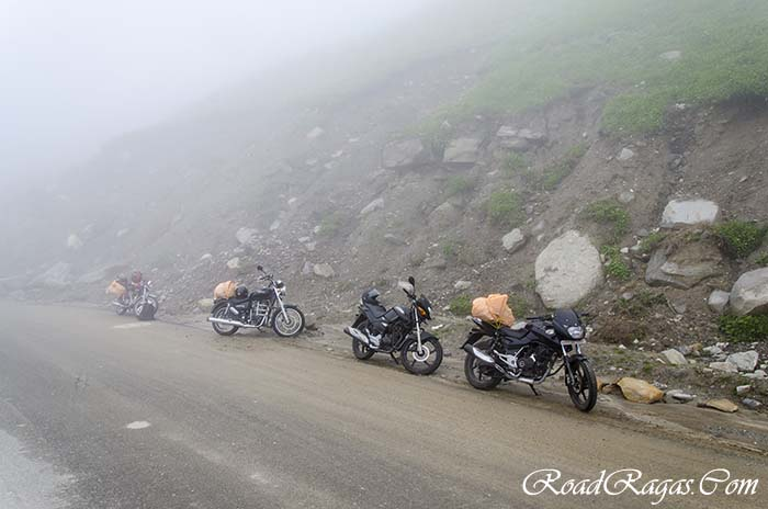 rent a motorcycle in manali