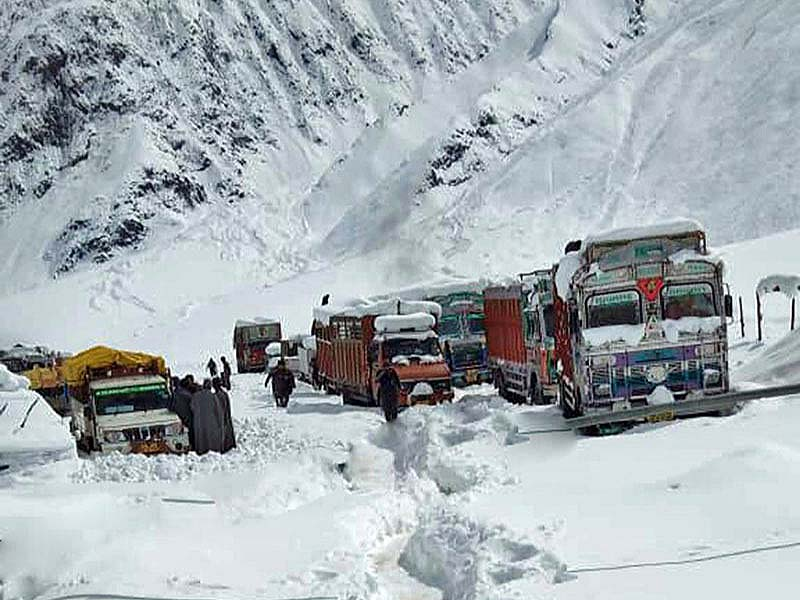 srinagar leh road closed